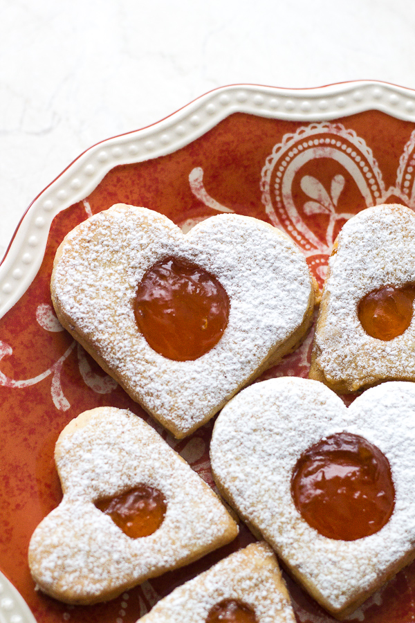 Almond Cookies with Apricot Filling